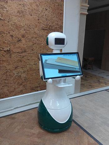 硅智讲解机器人入驻得高地板
